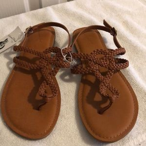 NWT Universal thread brown cognac sandals size 9